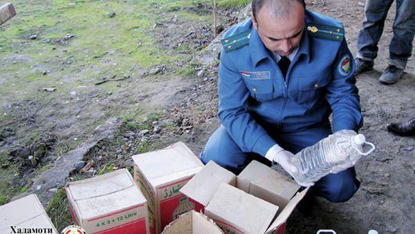 Контрабанда свыше 33 тонн прекурсоров предотвращена в Нижнем Пяндже - Sputnik Таджикистан