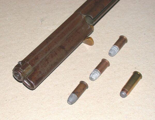 Ружье и патроны. Архивное фото - Sputnik Таджикистан