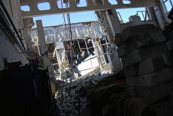Ситуация в районе аэропорта Донецка. Архивное фото. - Sputnik Таджикистан
