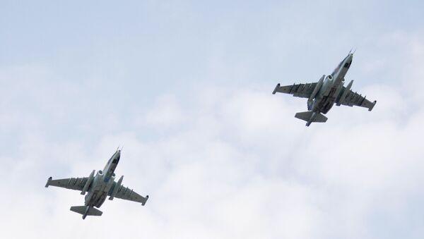 Гурущи щамлагари Су-25СМ - Sputnik Тоҷикистон