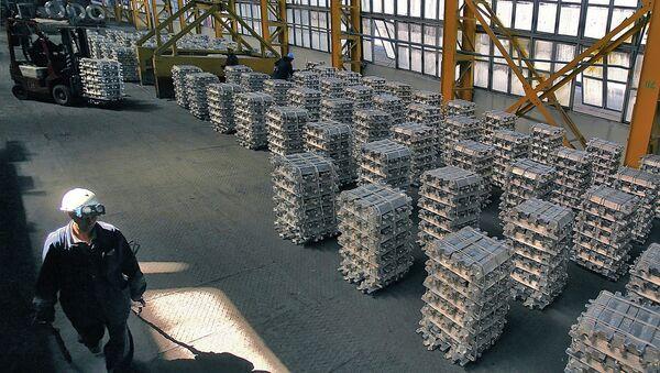 Таджикский алюминиевый завод. Архивное фото - Sputnik Таджикистан