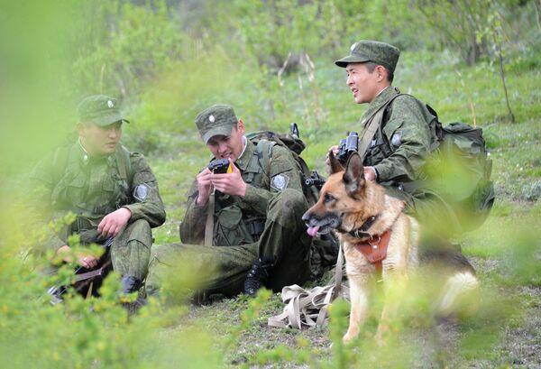 Дозор пограничников. Архивное фото - Sputnik Таджикистан