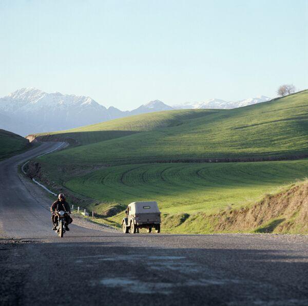 Дорога на участке Душанбе-Гарм. Архивное фото - Sputnik Таджикистан