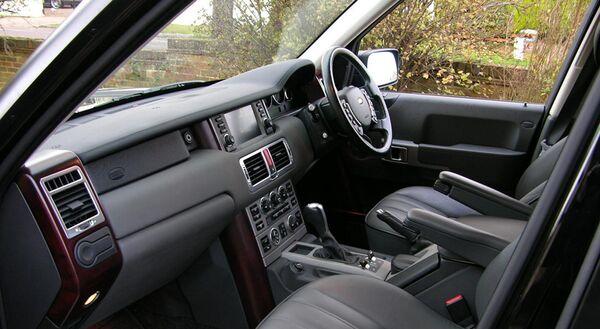 Салон Land Rover. Архивное фото - Sputnik Таджикистан