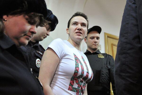 Украинская летчица Надежда Савченко. Архивное фото - Sputnik Таджикистан
