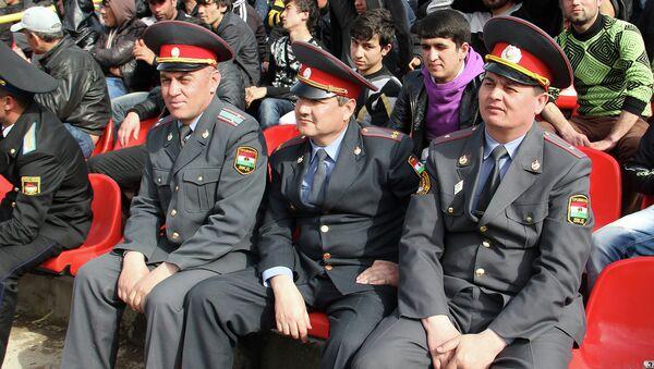 Таджикские милиционеры. Архивное фото - Sputnik Таджикистан