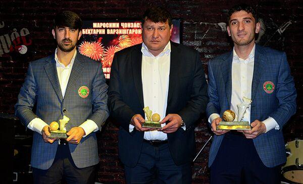 Слева направо: Дильшод Восиев, Мубин Эргашев и Хуршед Махмудов. - Sputnik Таджикистан