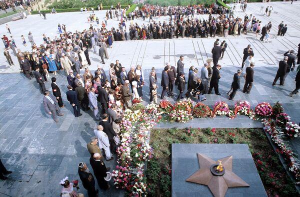 Парк Победы в Душанбе. Архивное фото - Sputnik Таджикистан