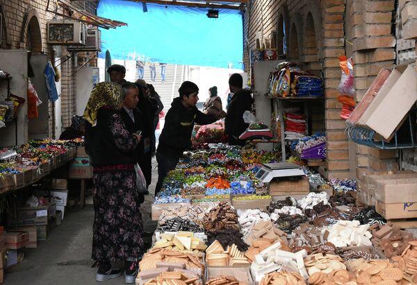 На рынке в Душанбе. Архивное фото - Sputnik Таджикистан