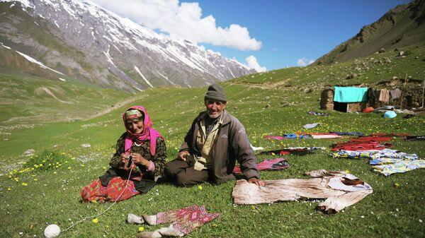 Памирская семья. Архивное фото - Sputnik Таджикистан