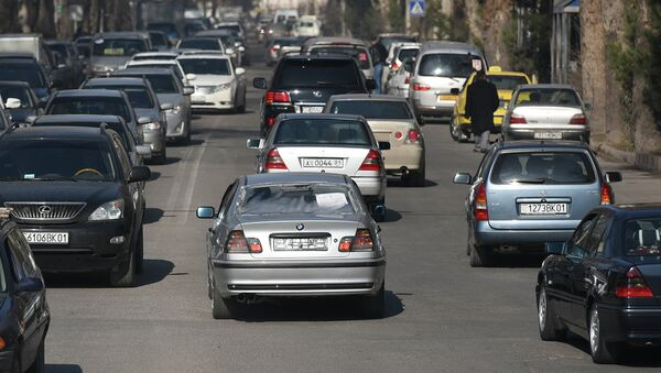 Автомобильное движение в Душанбе. Архивное фото - Sputnik Таджикистан