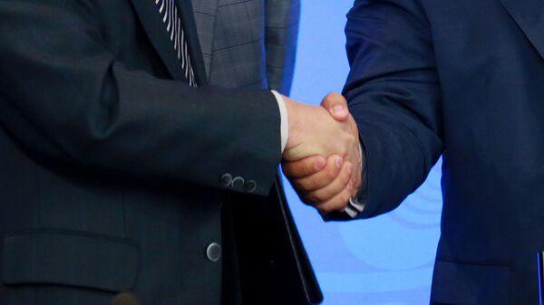 Рукопожатие - Sputnik Таджикистан