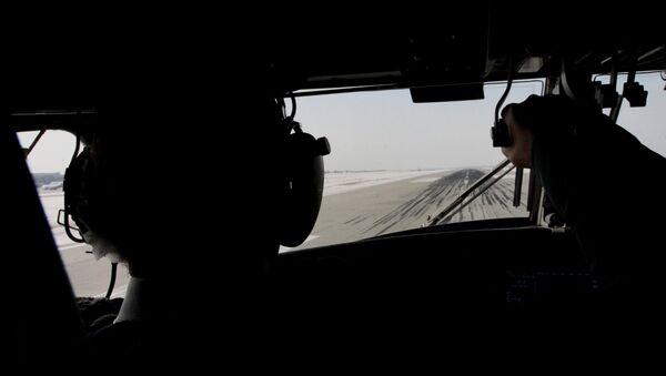 Вид из кабины самолета. Архивное фото - Sputnik Таджикистан