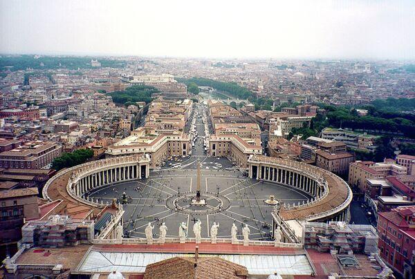 Вид на Рим с купола собора св. Петра в Ватикане. Архивное фото - Sputnik Таджикистан
