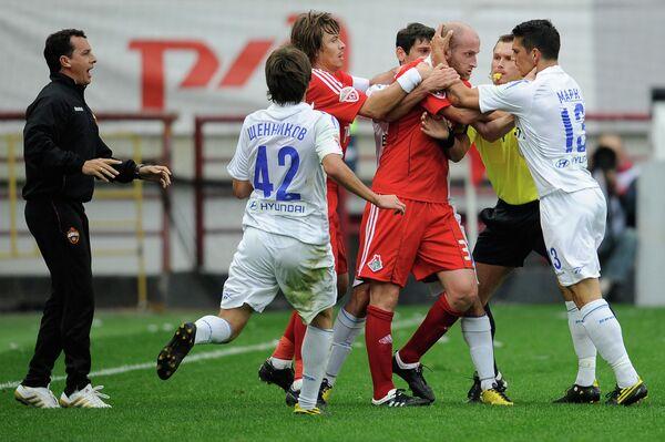 Конфликтная ситуация на футбольном поле. Архивное фото - Sputnik Таджикистан