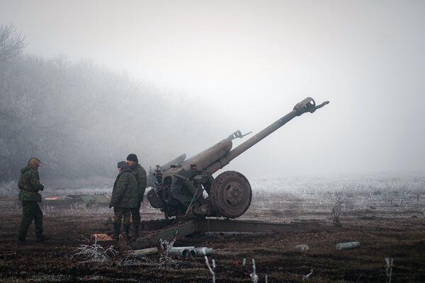 Ополченцы Донецкой народной республики в окрестностях Дебальцево. Архивное фото - Sputnik Таджикистан
