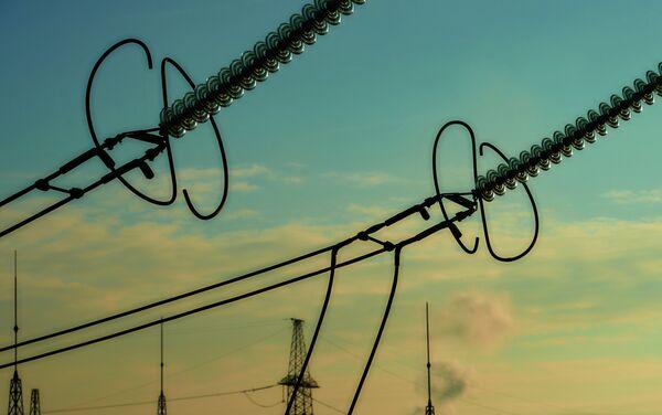 Блоки изоляторов электростанции. Архивное фото. - Sputnik Таджикистан