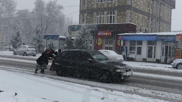 Зимистони Душанбе. Акс аз бойгонӣ - Sputnik Тоҷикистон