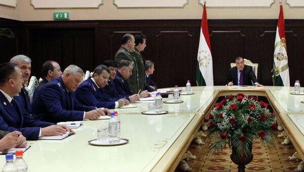 Президент Таджикистана 26 февраля принял группу молодых кадров, предложенных на посты заместителей генерального прокурора, директора антикоррупционного агентства и национальной гвардии - Sputnik Таджикистан