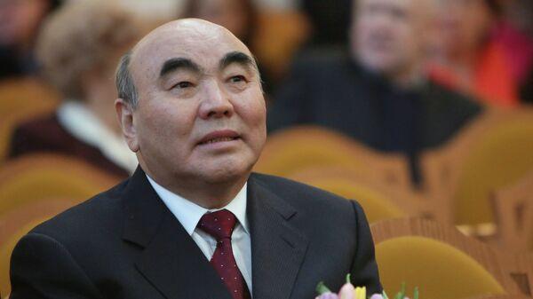 Аскар Акаев. Архивное фото - Sputnik Таджикистан