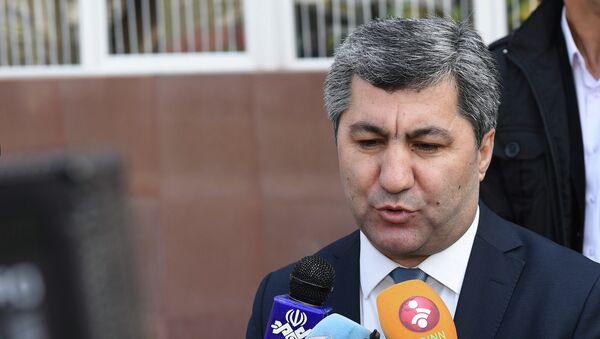 Мухиддин Кабири на парламентских выборах 1 марта 2015 года - Sputnik Таджикистан