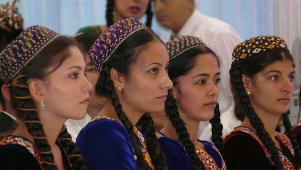 Туркменские девушки. Архивное фото - Sputnik Тоҷикистон