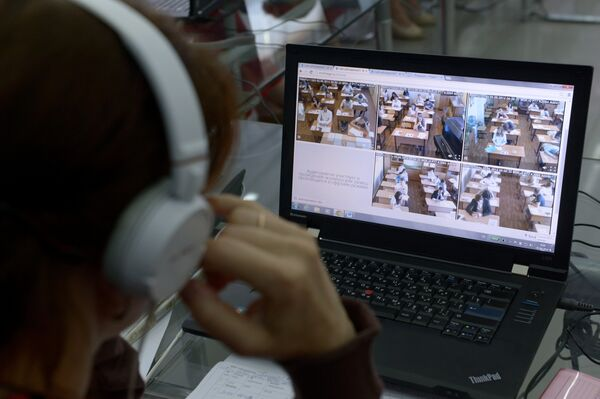 Видеонаблюдение за вступительными экзаменами. Архивное фото - Sputnik Таджикистан