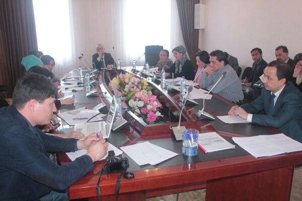 Семинар «Создание и развитие бизнес-инкубаторов в Республике Таджикистан» в Госкоминвестиций и управлению госимуществом Таджикистана - Sputnik Таджикистан