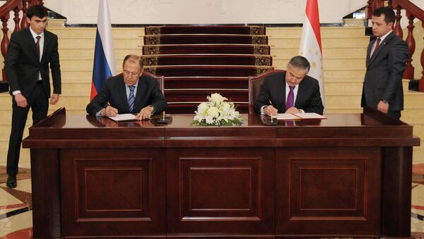 МИД РТ и РФ подписали программу сотрудничества на 2015 год - Sputnik Тоҷикистон
