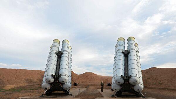 Зенитные ракетные системы С-400 Триумф. Архивное фото - Sputnik Таджикистан
