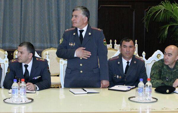 Новоназначенные главы пяти Управлений МВД на встрече с президентом РТ - Sputnik Таджикистан