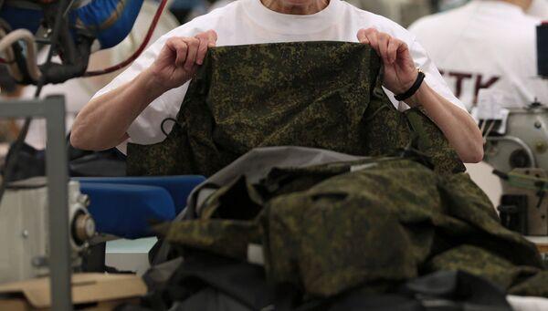 Пошив военной формы. Архивное фото - Sputnik Таджикистан