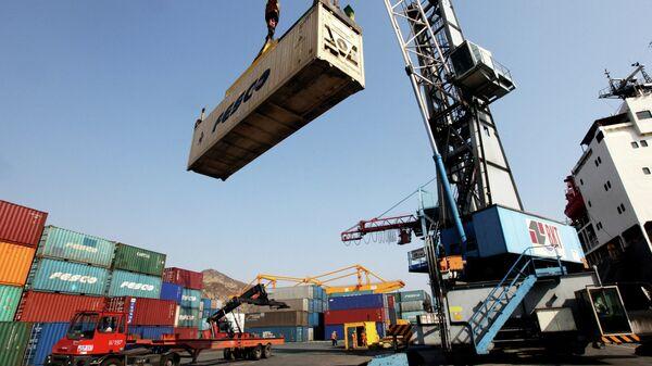 Морской торговый порт. Архивное фото - Sputnik Таджикистан