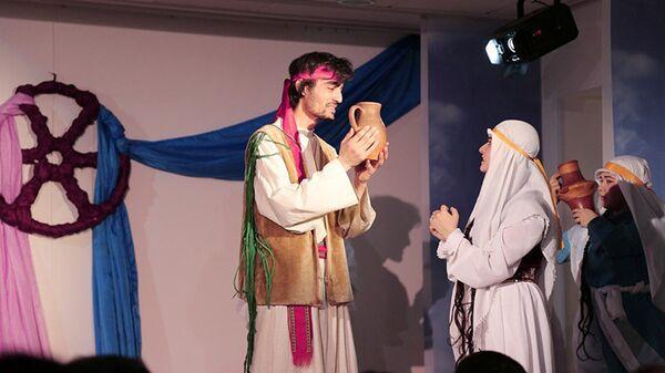 Спектакль Что говорят кувшины. Официальный сайт посольства Таджикистана в России - Sputnik Таджикистан