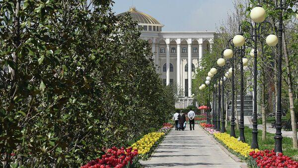 В Душанбе пришла весна - Sputnik Тоҷикистон