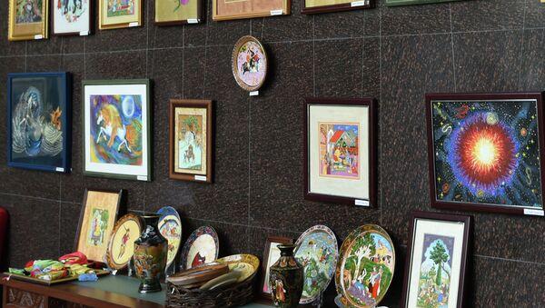 Выставка художников – миниатюристов Олима и Бону Камоловых - Sputnik Тоҷикистон