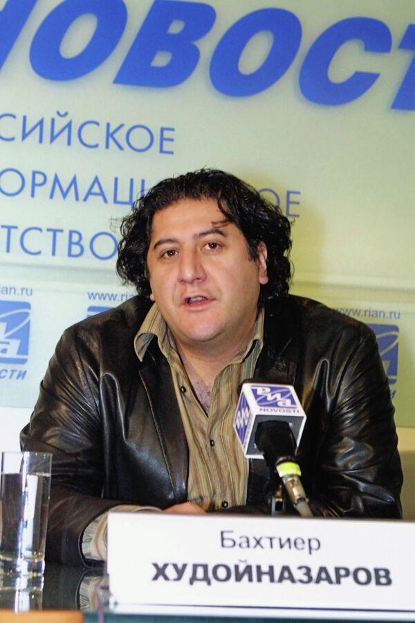 Режиссер Б. Худойназаров. Архивное фото - Sputnik Таджикистан