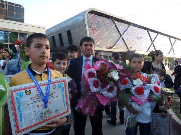 Таджикские каратисты вернулись с 10 медалями из Турции. Предоставлено Федерацией каратэ-киокушинкай Таджикистана - Sputnik Таджикистан