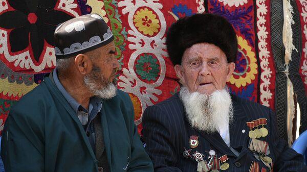 Таджикские пенсионеры. Архивное фото - Sputnik Таджикистан