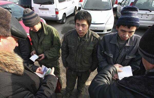 Рейд по выявлению незаконных мигрантов. Архивное фото - Sputnik Таджикистан