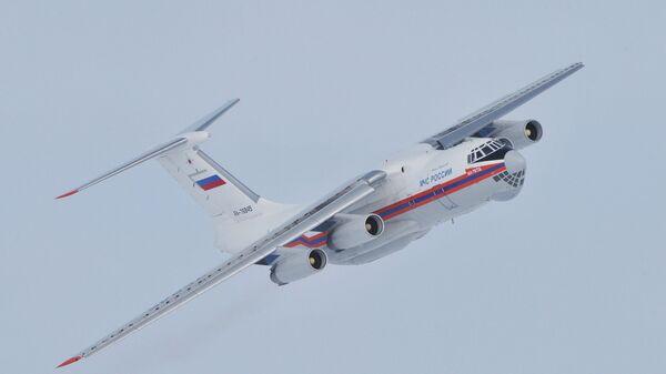 Ҳавопаймои Ил-76. Акс аз бойгонӣ - Sputnik Тоҷикистон