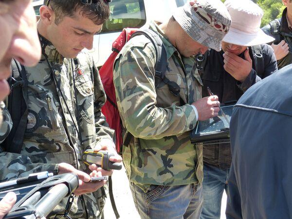 Немецкие геологи обучают своих таджикских коллег. Архивное фото - Sputnik Таджикистан
