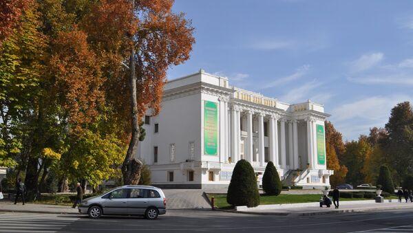 Здание театра оперы и балета им. Садриддина Айни. Архивное фото - Sputnik Таджикистан