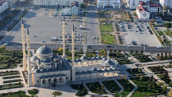 Центральная мечеть им. Ахмата Кадырова Сердце Чечни в Грозном. - Sputnik Таджикистан