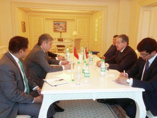 Таджикистан и Кыргызстан провели переговоры в Ашхабаде - Sputnik Таджикистан