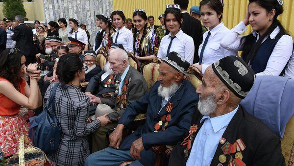 Парад Победы в Душанбе - Sputnik Таджикистан