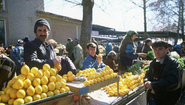 На рынке в Таджикистане - Sputnik Таджикистан