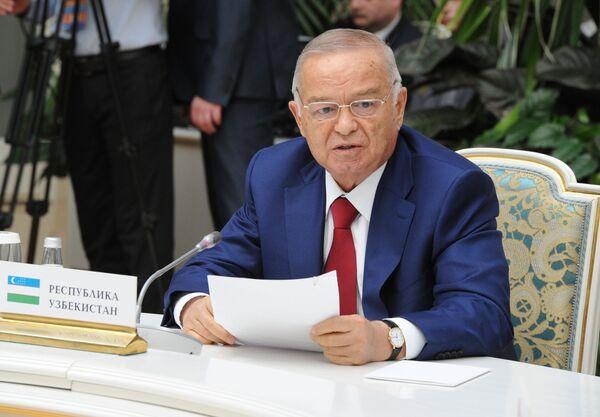 Ислам Каримов на неформальной встрече глав государств-участников СНГ - Sputnik Таджикистан