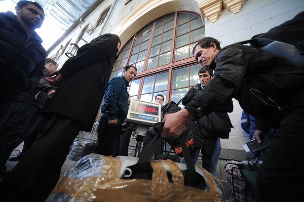 Пассажиры поезда Москва-Душанбе. Архивное фото - Sputnik Таджикистан