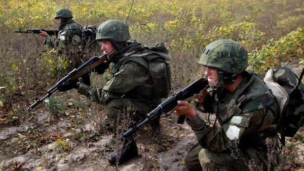 Военнослужащие ВДВ России. Архивное фото - Sputnik Таджикистан